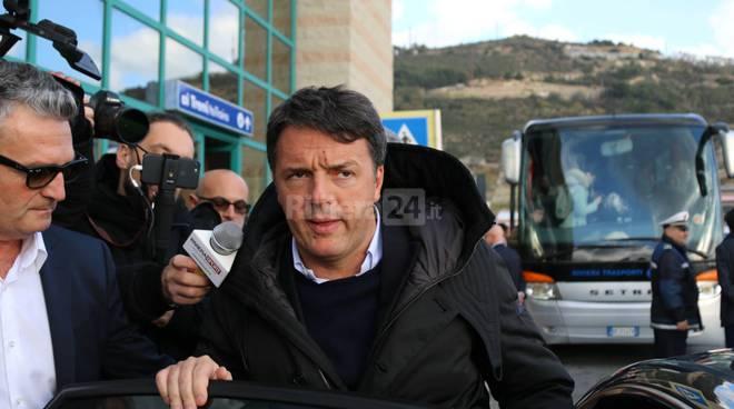 Riviera24-Matteo Renzi all'Ariston Roof sindaco biancheri ioculano natta