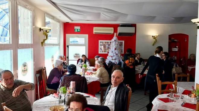 riviera24 -Pranzo di Natale per gli anziani a Riva Ligure
