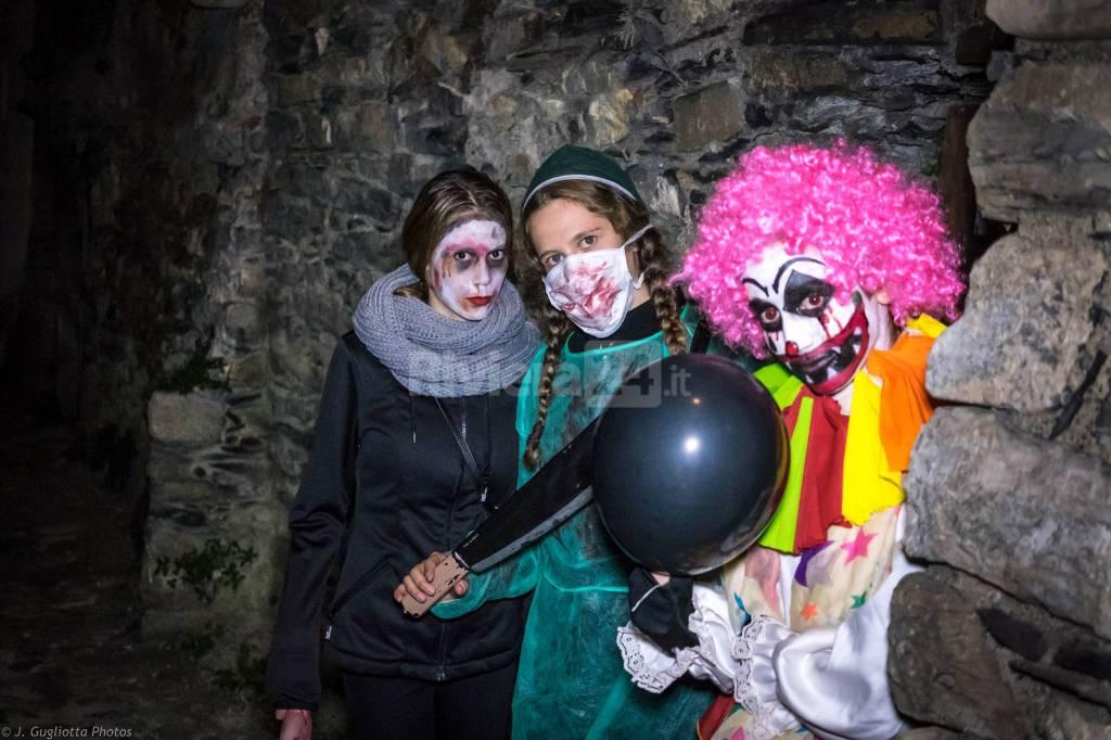 Riviera24-Streghe, cartomanti, mostri e vampiri assassini... E' l'Halloween a Triora