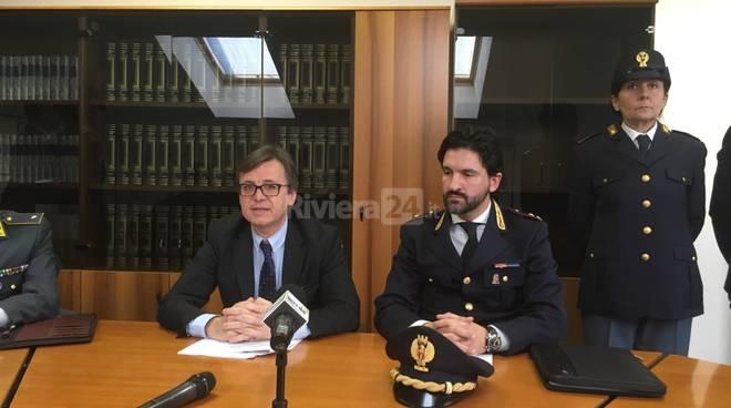 conferenza stampa sequestro Rinaldi