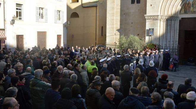 riviera24 - funerale Leone Durazzi