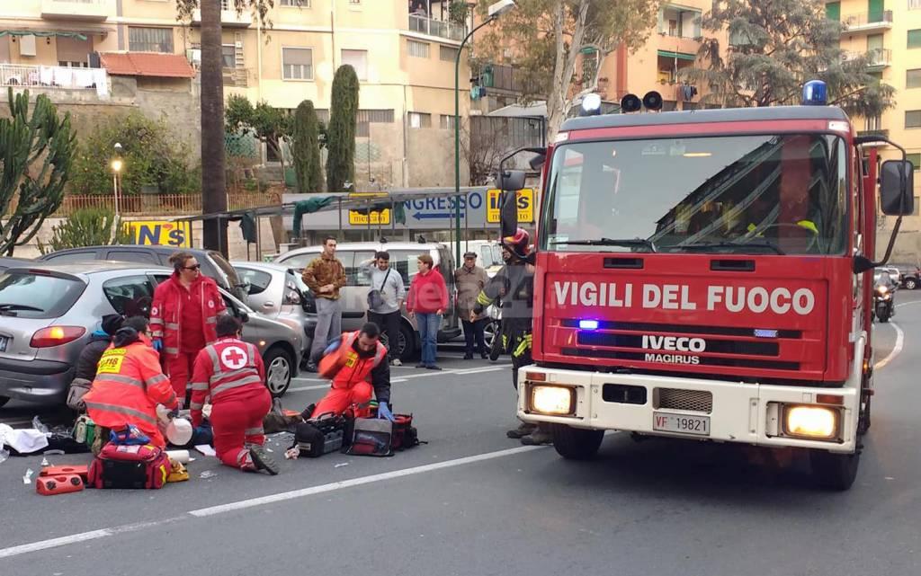 Riviera24-Sanremo, anziano colto da malore schianta via agosti