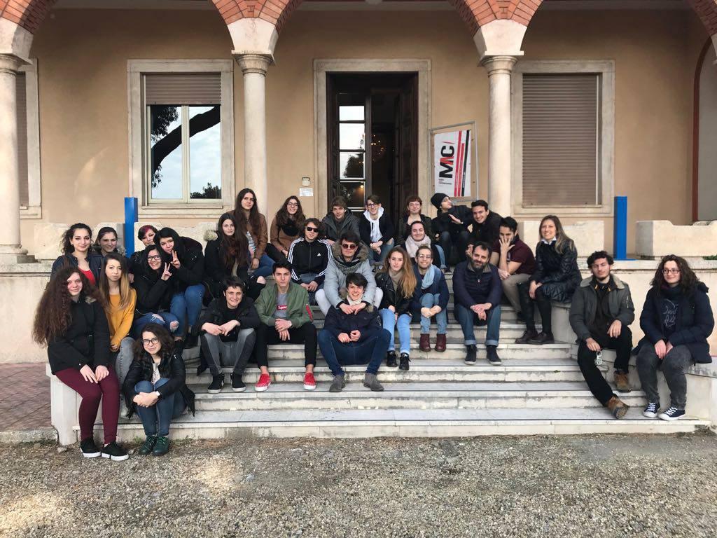 """Imperia, gli studenti dell' """"Amoretti"""" a Villa Faravelli"""