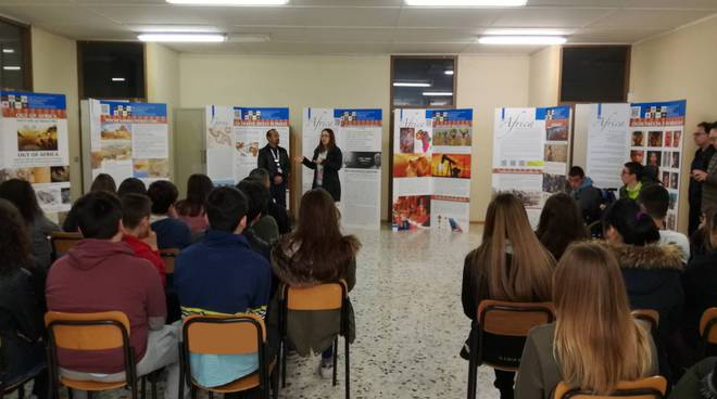mostra all'istituto fermi polo