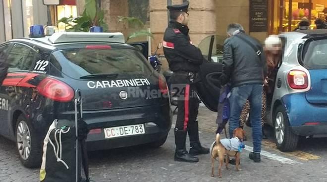 riviera24 - Sanremo, animalista ruba cane a clochard