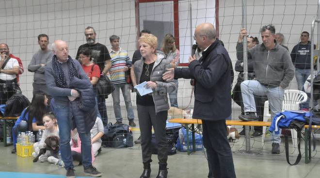 riviera24-volley mercato dei fiori