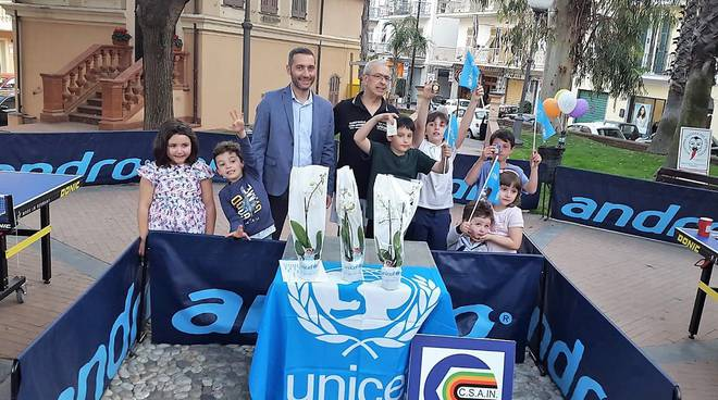 Tennistavolo per Unicef