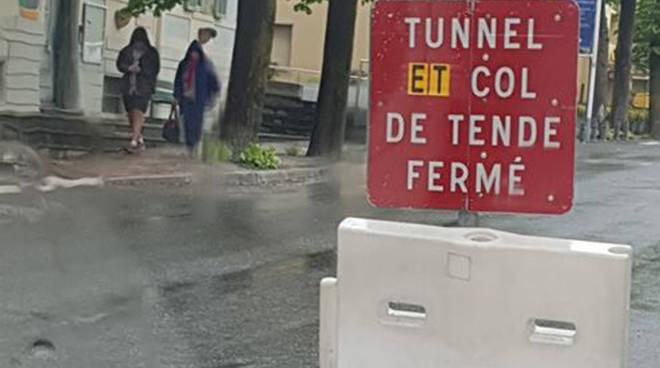 riviera24 - chiuso tunnel tenda