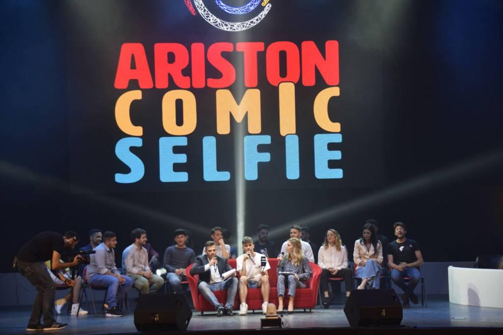 Riviera24- Comic Selfie 2018