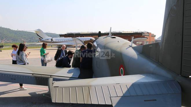 riviera24-La cultura aeronautica tra i banchi di scuola, a Villanova gli studenti volano