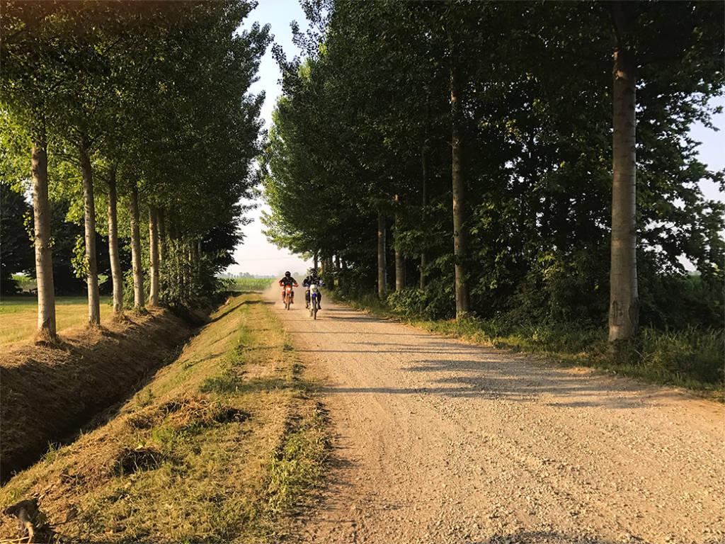 "riviera24 -  raid motociclistico ""Hat Pavia-Sanremo"""