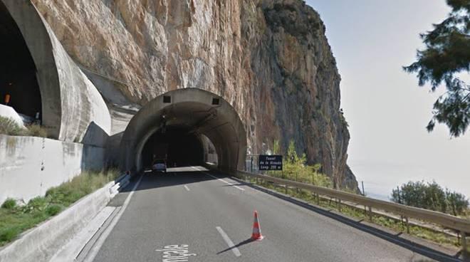 tunnel autostrada A10/A8 confine girauda