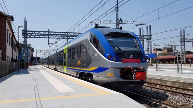 Riviera24 - treno regionale trenitalia jazz