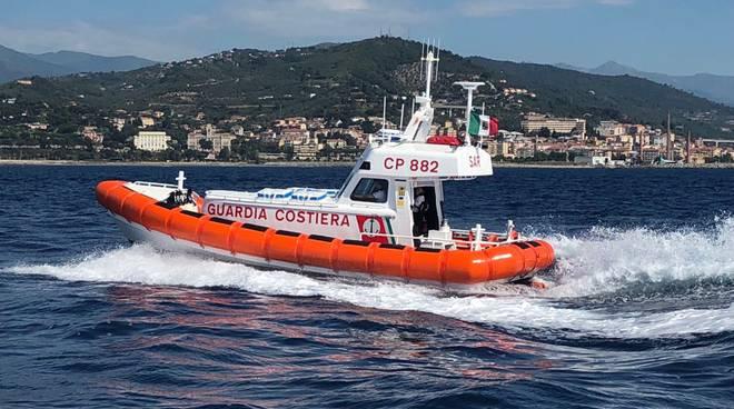 Riviera24 - Motovedetta guardia costiera