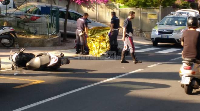 riviera24-accoltellato a morte in via Padre Semeria: è caccia all'uomo