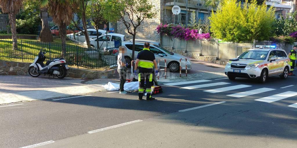 riviera24-accoltellato a morte via padre semeria
