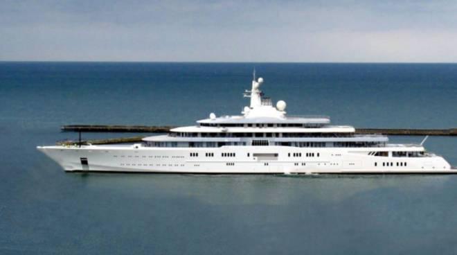 riviera24 - Eclipse yacht
