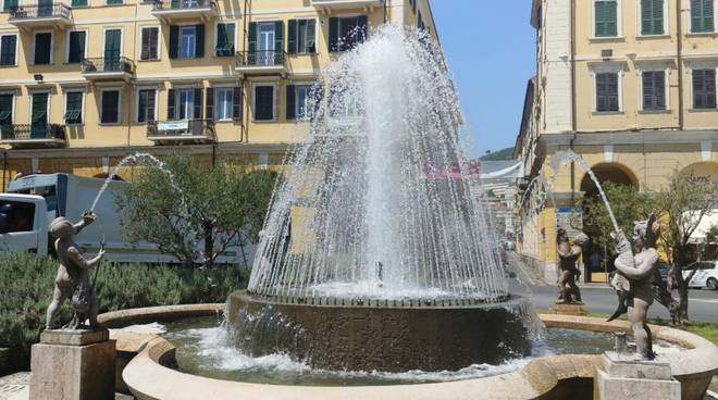 Riviera24- fontana piazza Dante