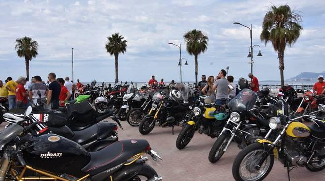 """riviera24 - Raduno motociclistico di """"NO DUCATI nO PARTY Club di Ventimiglia"""""""