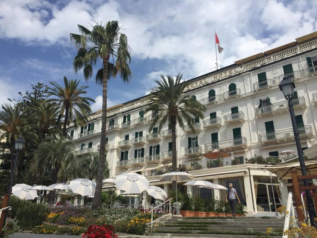 Riviera24- Royal Hotel