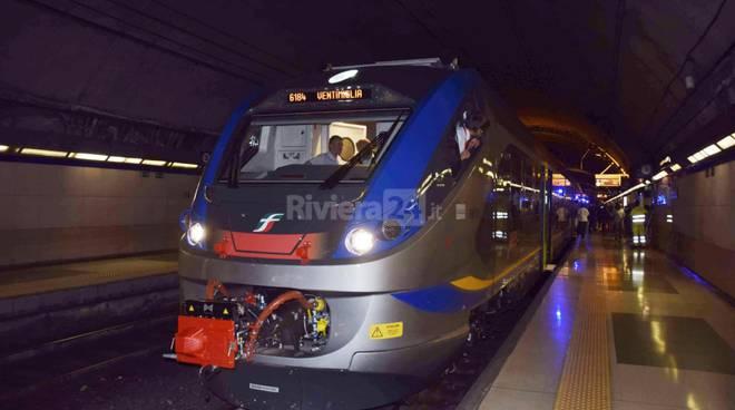 Consegnati primi 2 treni Jazz in Liguria