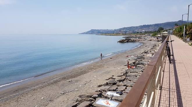 spiaggia riva ligure