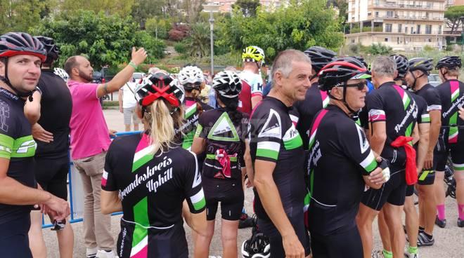 riviera24 - Ciclisti di Friedrichshafen a Imperia