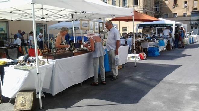 Riviera24- mercato antiquario