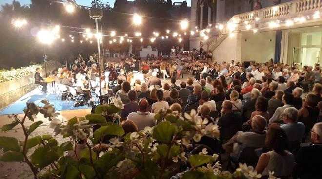 Riviera24- Sinfonica villa Ormond