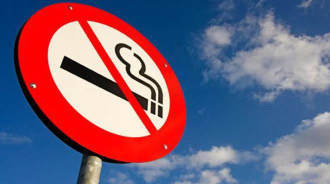 riviera24 - vietato fumare cartello