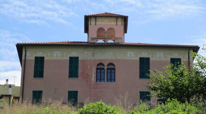 Riviera24- Villa Luca Coldirodi