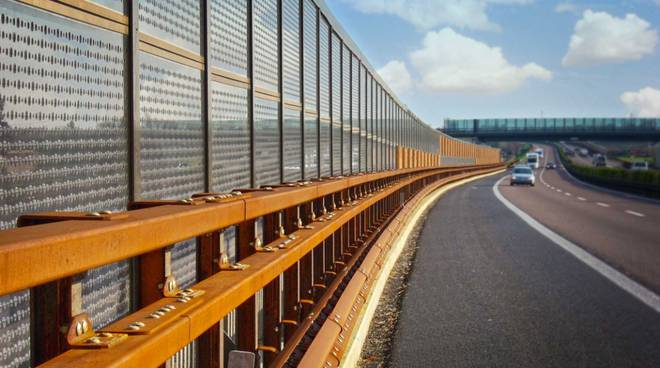 barriera antirumore autostrada