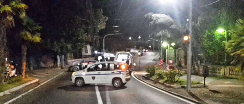 9c75e24054 Incidente nella notte sull Aurelia a Ospedaletti  auto finisce ...