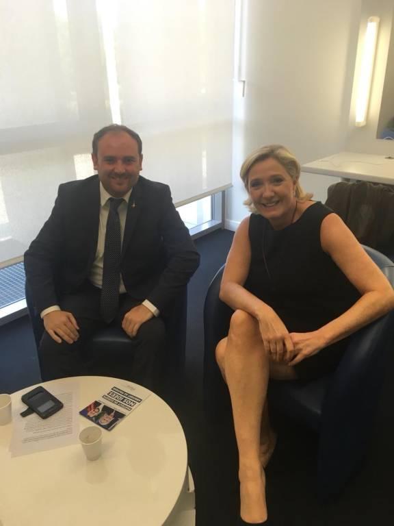 Flavio Di Muro e Marine Le Pen