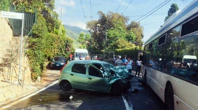 riviera24 - Bordighera, tragico incidente sull'Aurelia