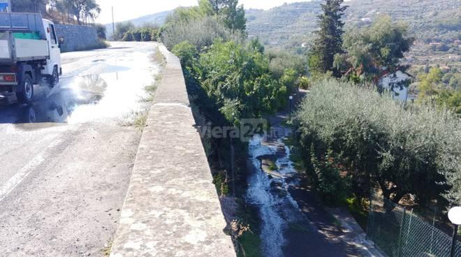 riviera24 - Guasto alla rete idrica in via Dolcedo