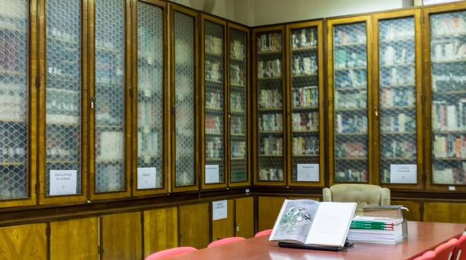 riviera24- Biblioteca Colombo