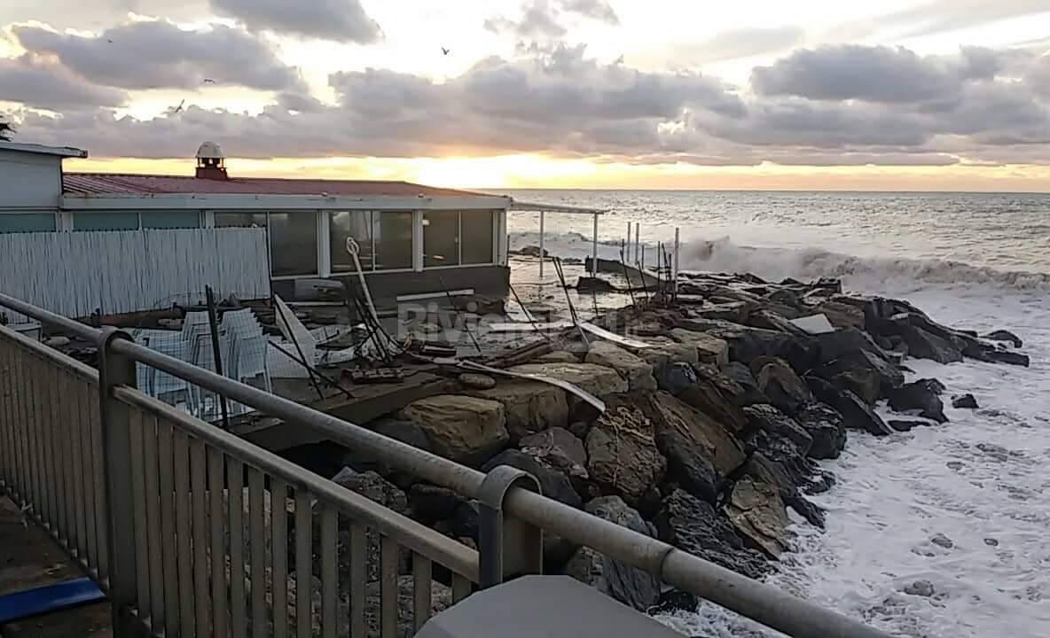 Riviera24-Idrovore Living Garden vigili del fuoco pian di nave