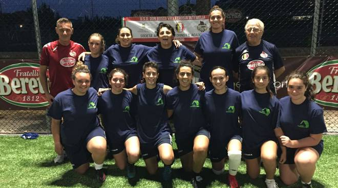 riviera24 - Squadra femminile del Don Bosco Vallecrosia Intemelia