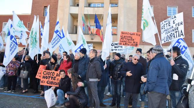 Manifestazione contro ordinanza Ioculano