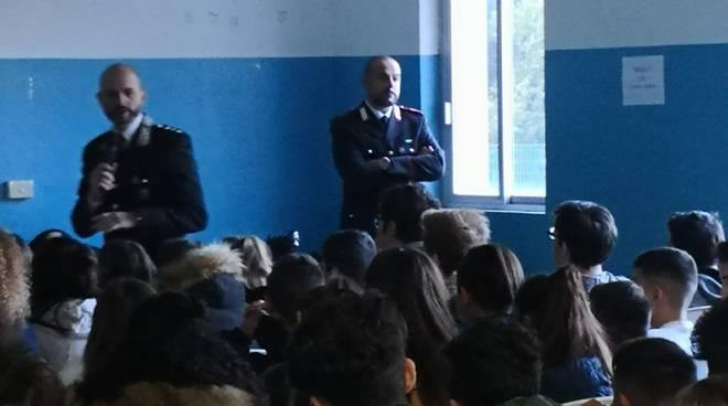 riviera24 - Carabinieri alle scuole di Roverino