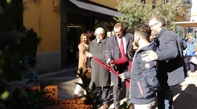 """Riviera24- inaugurazione """"la panchina di Vieusseux"""""""
