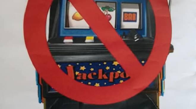 rivira24 - Petizione no slot