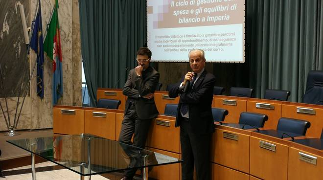 riviera - Professor Rossi e  dipendenti comunali Imperia
