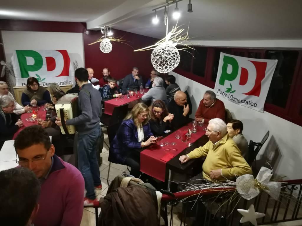 riviera24 - Apericena natalizio del Pd