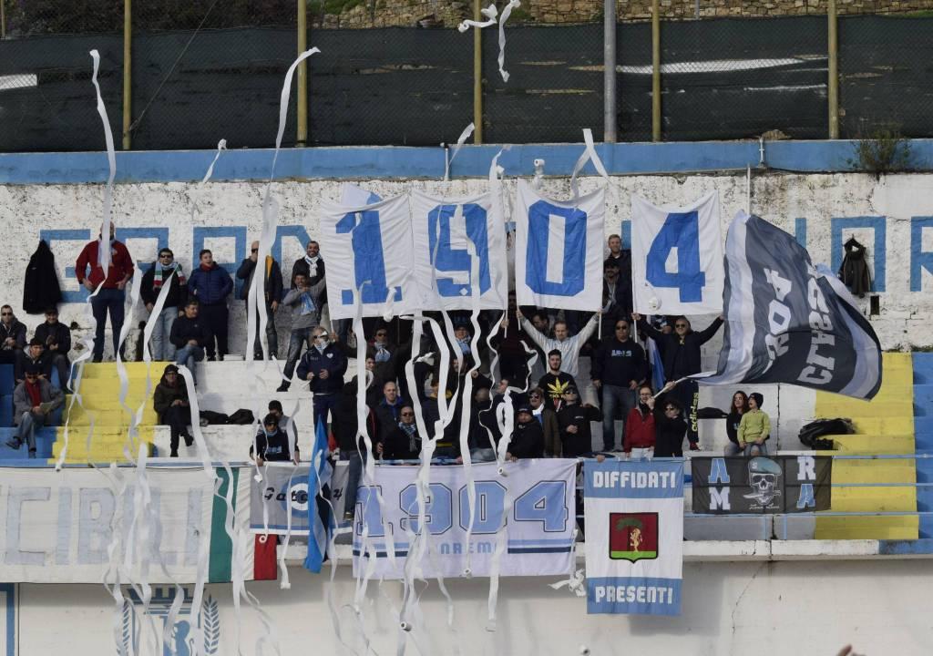 riviera24 - ultras tifosi sanremese gradinata nord
