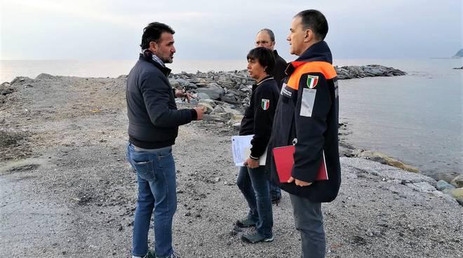 riviera24 - Valerio Urso e funzionari Regione Liguria e protezione civile