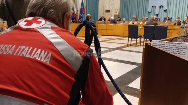 riviera24 - Croce Bianca in consiglio comunale a Imperia