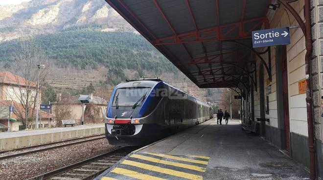 treno cuneo ventimiglia tenda trenitalia