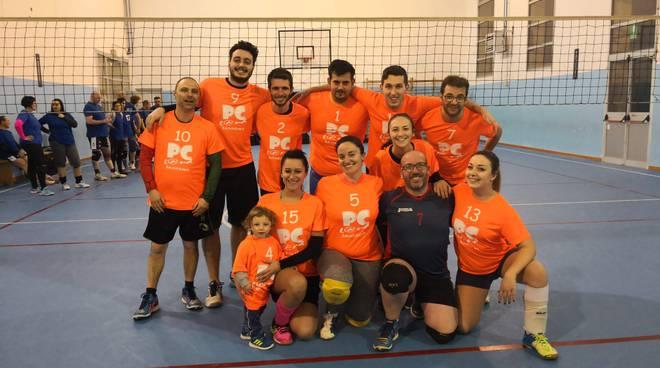 """PCLAND - Vittoria in casa per 3 a 0 nel campionato pallavolo misto Anspi zonale \""""Torneo dell\'amicizia\""""."""